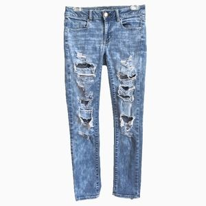 AMERICAN EAGLE | BLEACHED DISTRESSED JEANS